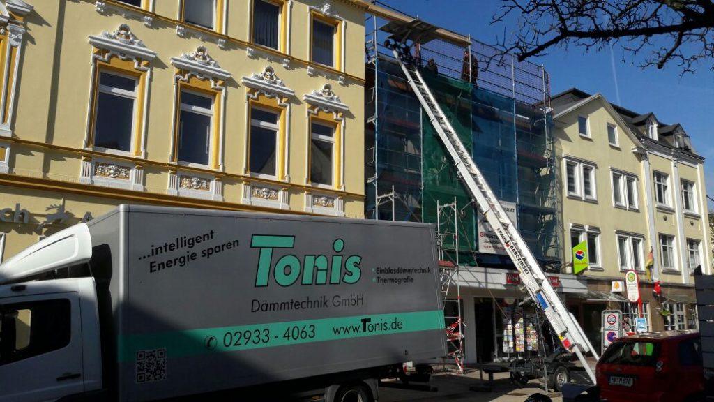 Fassadenbau und Dämmung mit Holzfaser+Zellulose